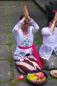 Ratih In Prayer